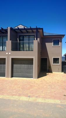 Property For Rent in Langeberg Ridge, Cape Town