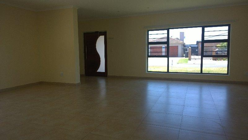 Property For Rent in Brackenfell, Cape Town 2