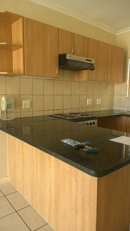 Property For Rent in Uitzicht, Cape Town 4