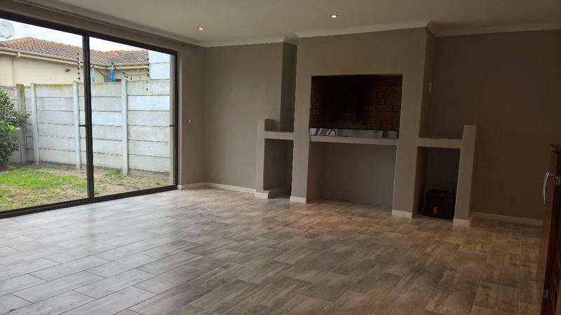 Property For Rent in Protea Heights, Cape Town 10