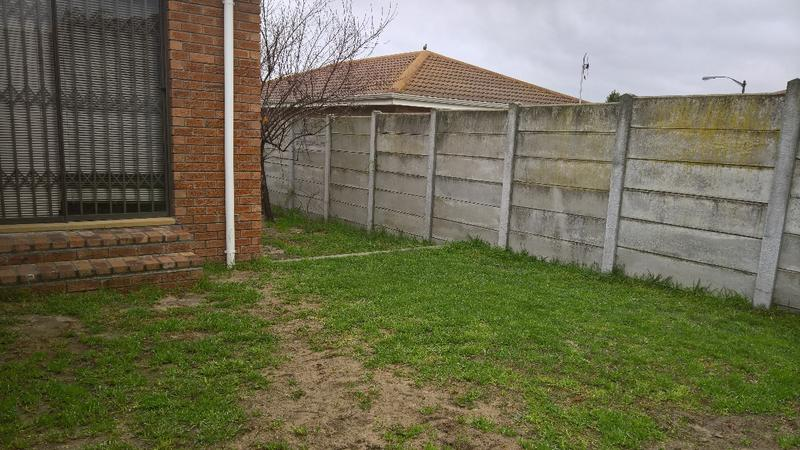 Property For Rent in Protea Heights, Cape Town 2