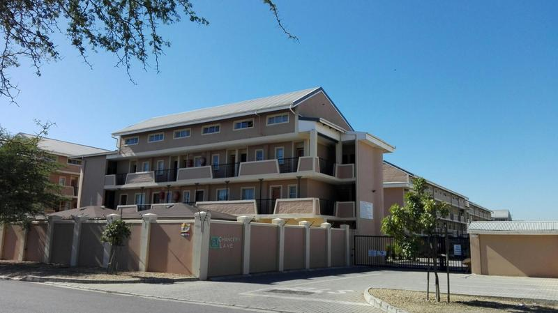 Property For Sale in Uitzicht, Cape Town 1