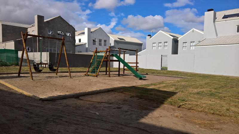 Property For Rent in Langeberg Ridge, Cape Town 14