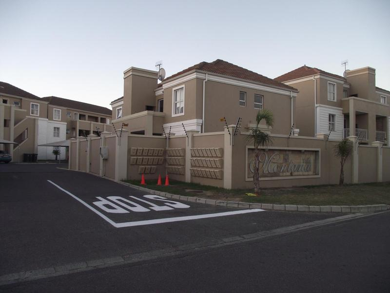 Property For Rent in Uitzicht, Cape Town 1