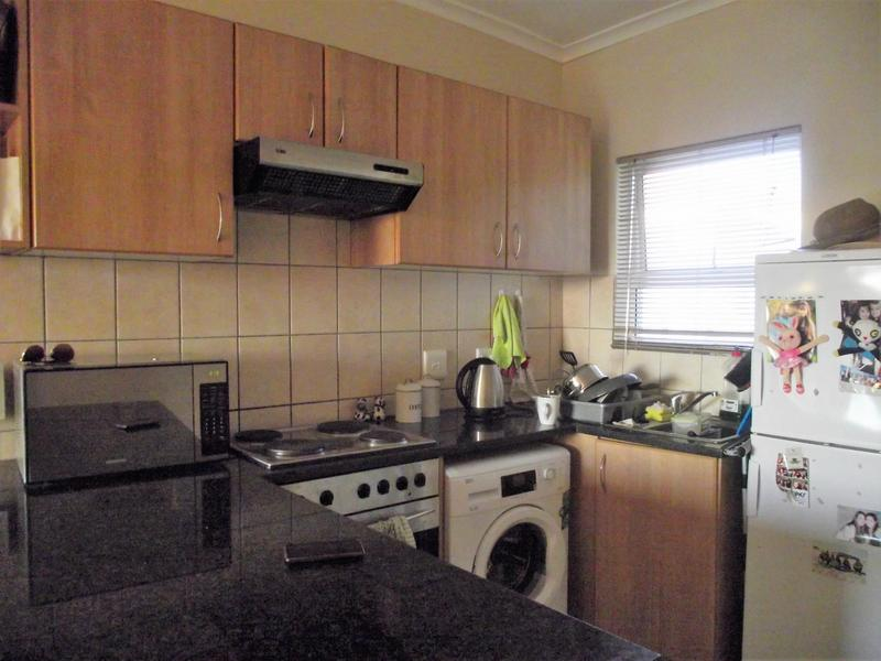 Property For Rent in Uitzicht, Cape Town 5