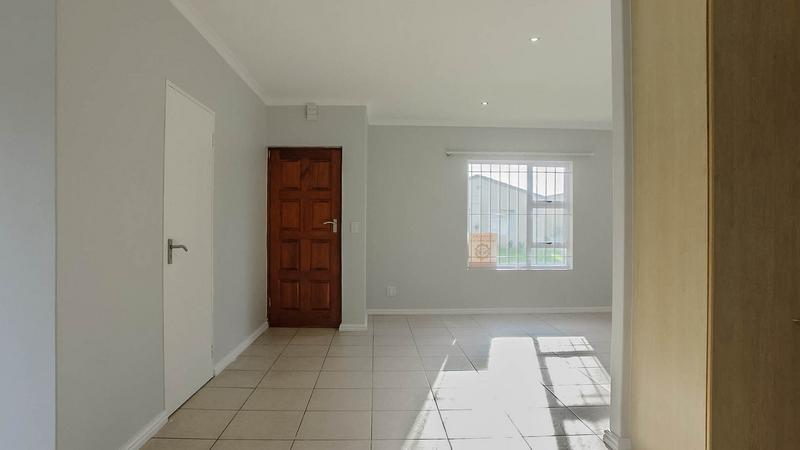 Property For Sale in Zonnendal, Kraaifontein 3
