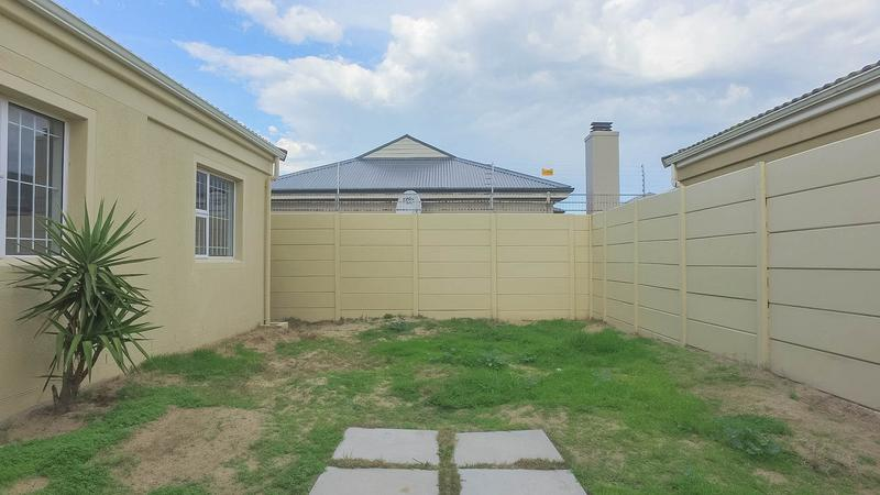 Property For Sale in Zonnendal, Kraaifontein 13