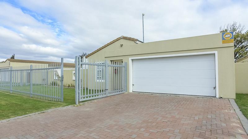 Property For Sale in Zonnendal, Kraaifontein 2
