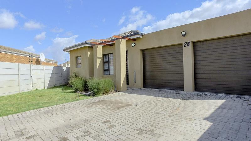 Property For Sale in Viking Village, Kraaifontein 5