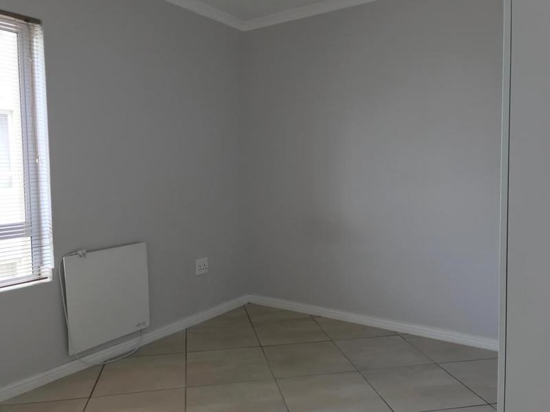 Property For Rent in Buhrein, Kraaifontein 15