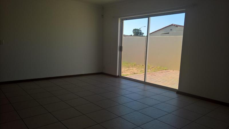 Property For Rent in Zonnendal, Kraaifontein 15
