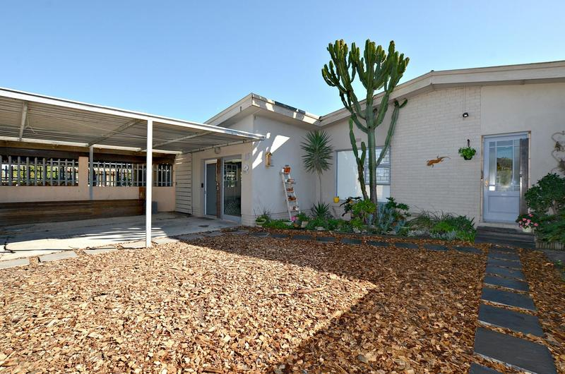 Property For Rent in Peerless Park North, Kraaifontein 2