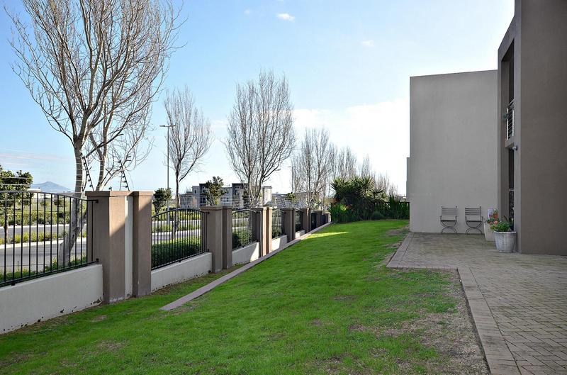 Property For Rent in Burgundy Estate, Milnerton 13
