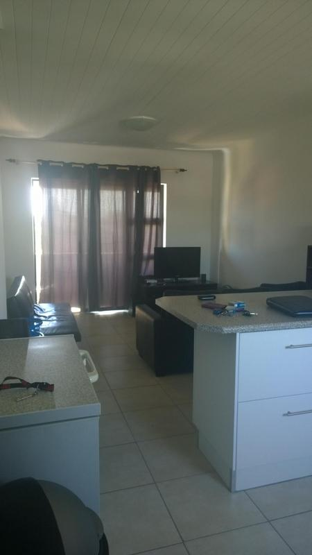 Property For Rent in Oakglen, Bellville 3