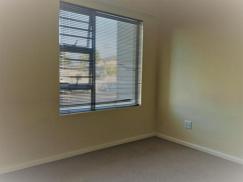 Property For Rent in Buh-rein, Cape Town 5
