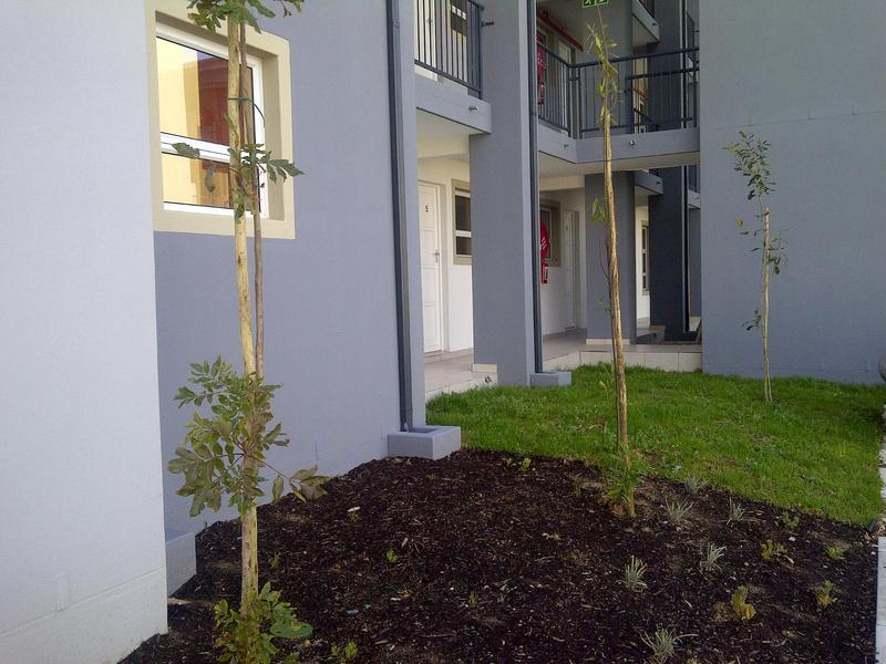 Property For Rent in Buh-rein, Cape Town 12
