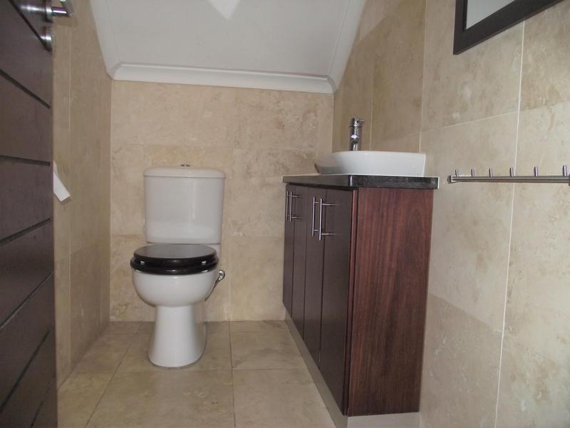 Property For Rent in Plattekloof, Parow 11