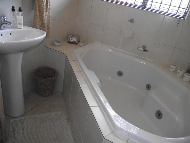 Property For Rent in Langeberg Ridge, Cape Town 15