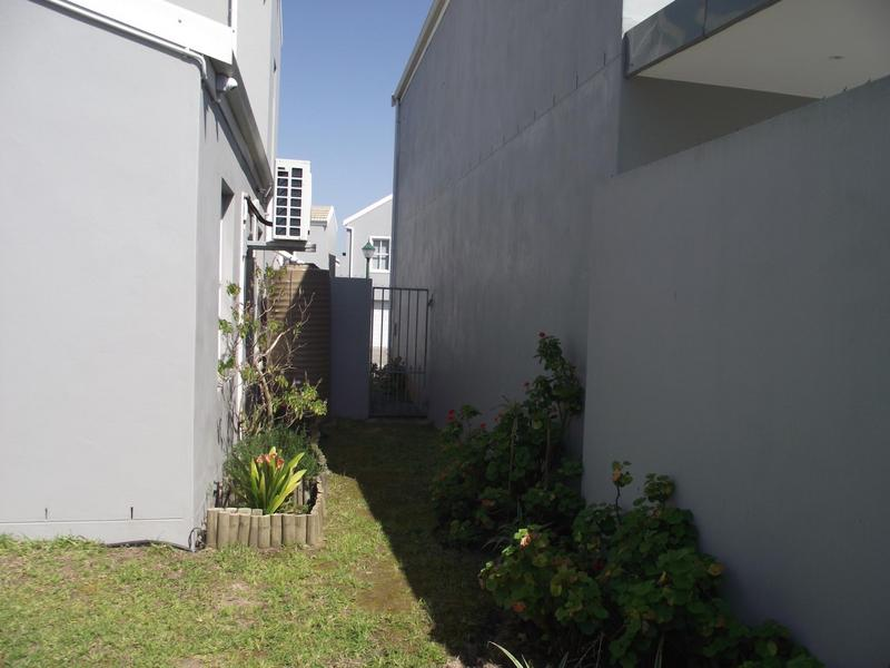 Property For Rent in Langeberg Ridge, Cape Town 21
