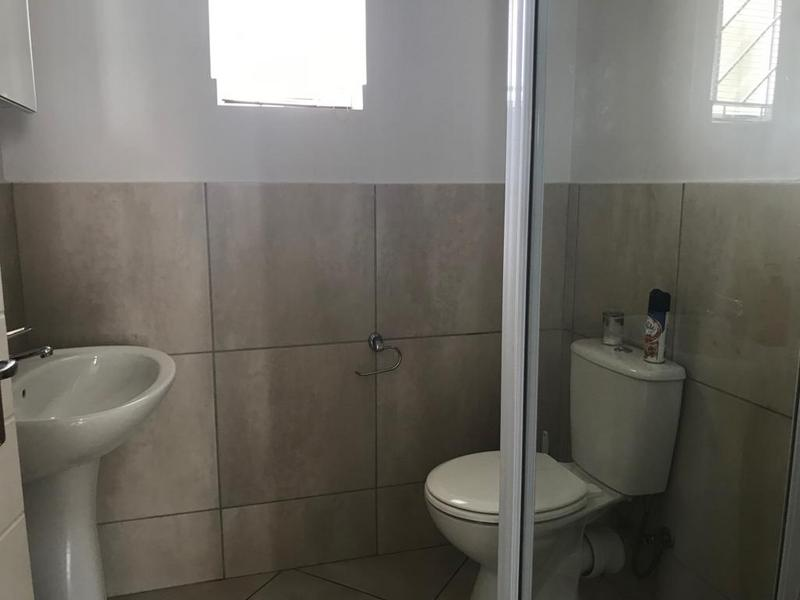 Property For Rent in Buhrein, Kraaifontein 12