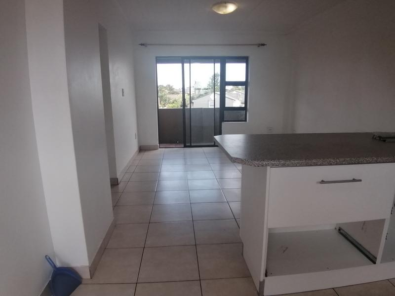 Property For Rent in Oakglen, Bellville 4