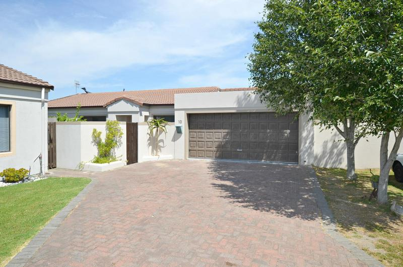 Property For Sale in Kleinbron Park, Cape Town 4