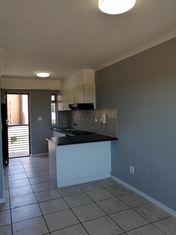 Property For Rent in Uitzicht, Kraaifontein 2