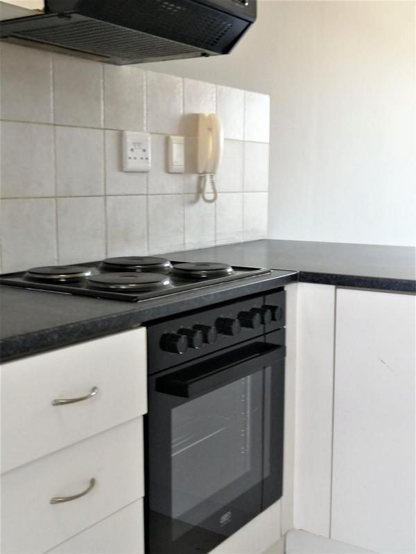 Property For Rent in Uitzicht, Kraaifontein 3