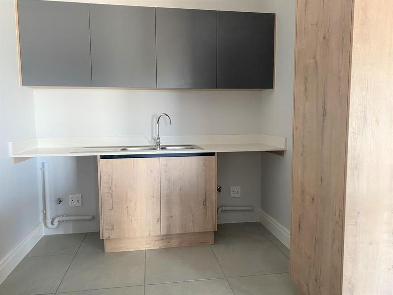 Property For Rent in Langeberg Ridge, Cape Town 4