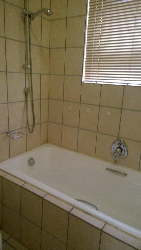 Property For Rent in Uitzicht, Cape Town 9