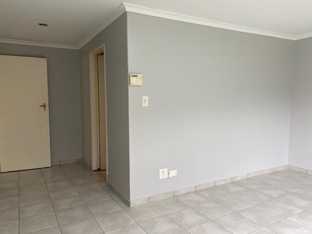 Property For Rent in Amanda Glen, Durbanville 12