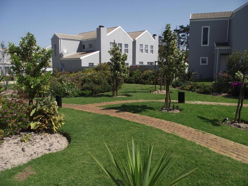 Property For Rent in Langeberg Ridge, Cape Town 2